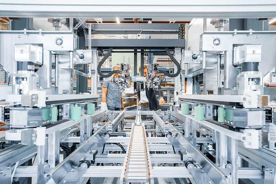 Referenz In-Haus-Foerdertechnik Neopost von KTR Systems GmbH
